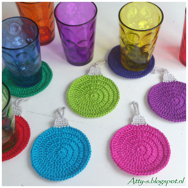 Ravelry Christmas Coaster Pattern By Atty Van Norel
