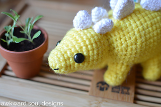 Stegosaurus_amigurumi_by_awkward_soul_designs__1__small2