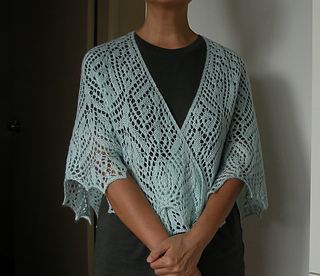 Soli_deo_gloria_lace_shawl-1_small2