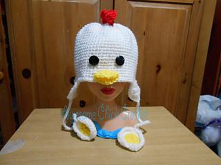 ad319dfe05e Ravelry  Chicken hat pattern pattern by jenny rodriguez