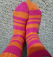 Oppositesattract-fibonacci_sock1_small