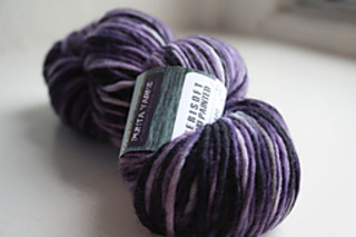 Purple_yarn_small2