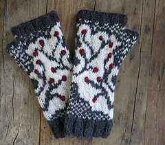 Winterberry_branch_fingerless_gloves2_small