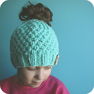 dc293b166ebae Ravelry  Ponytail or Messy Bun Hat pattern by Julie Turbide
