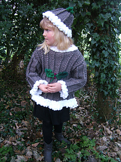 Beth_christmas_pudding_sweater_small2