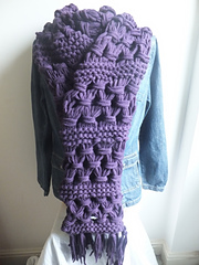 Gathered_lattice_and_garter_stitch_scarf_small