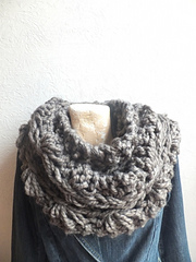 Drop_stitch_rust_cowl_small