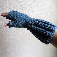 Sc46_elongated_2_x_2_rib_fingerless_mittens