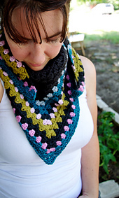 Granny_scarf_gray_2_small_best_fit