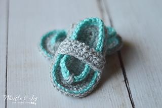 Crochetbabyflipflops3wm_small2