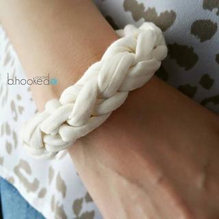 Jersey_bracelet_for_sm_small2