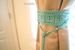 Filet_crochet_curtain_tie_back_pattern_small_best_fit