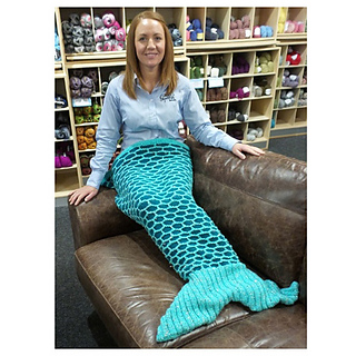 Free Knitting Pattern For Child s Mermaid Blanket : Ravelry: Mermaid Tail Blanket pattern by Black Sheep Wools