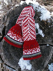 Northern_lights_mitts
