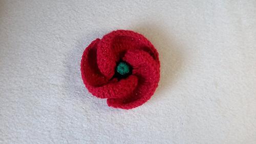 Crochet_poppy_design_3_of_3_tutorial_500_poppies_project_medium