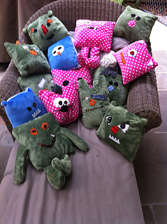 Monsters_group_medium2_small2