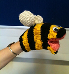 Knitted_bee_small