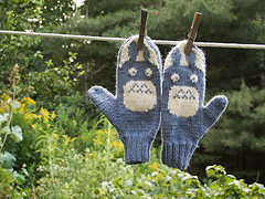 Totoro_mitts_small