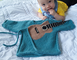 Air_guitar_infant_small2