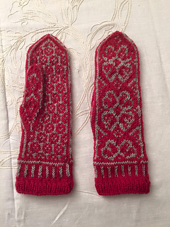 Winter_rose_gloves_small2