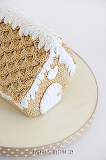 Gingerbread-house-airali-amigurumi-1_small2
