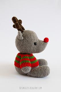 Amigurumi-reindeer-winter-wonderland_small2