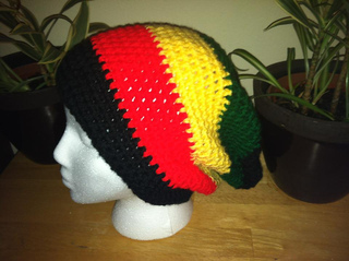 e0d0fe9510a1e Ravelry  Rasta Solid or Stripes Slouchy Beanie pattern by Manon ...