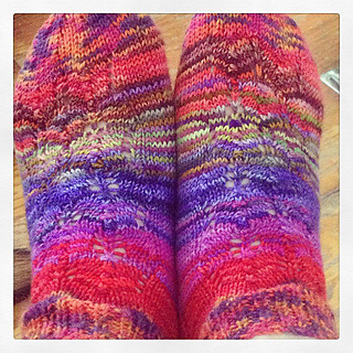 Lacy_summer_socks_pre_wet_blocking2_small2