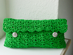Crochet_clutch_closed__1_of_1__small