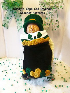 353_leprechan_in_pot_of_gold_2_small2