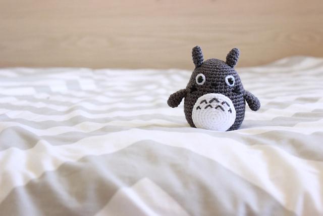 Amigurumi Totoro : Ravelry totoro amigurumi pattern by clare heesh
