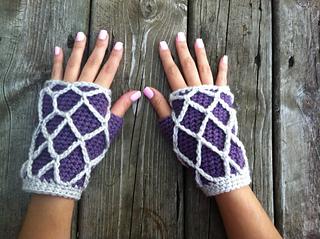 Fishnet_gloves_2_small2