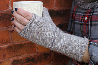 Adrift_mitts_cup_small2
