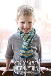 Kids_loop_scarf_knitting_pattern_04_littleredwindow_small_best_fit