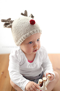 Tiny_reindeer_baby_hat_knitting_pattern_04b_littleredwindow_small2