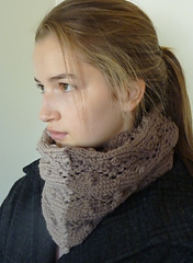 Quince_lace_eyelet_cowl_029_small