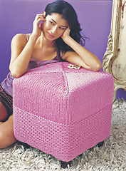 Stool_knit1_09_small