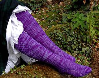 Violet_kneesocks_small2