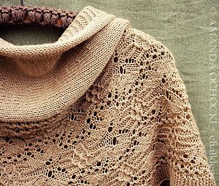 Amanda_ochocki___chalklegs_tokyo_cream_tiger_lily_shawl__7