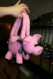 Complete_pig_purse_side_small_best_fit