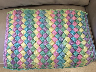 Entralac_baby_blanket2_small2