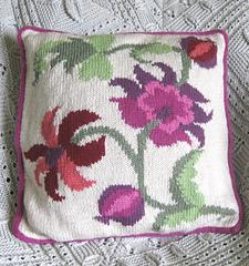 Intarsia_cushion_small