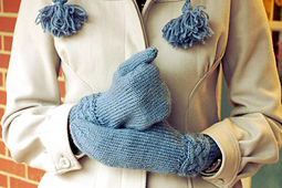 Mom_-_cable_mittens_for_christmas_1_small_best_fit