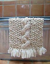 Rag-bathmat-hanging-140420_small_best_fit