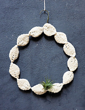 Knitted-wreath-holiday-2014-01_small_best_fit