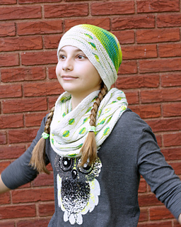 Spotted_cowl_and_splat_hat_set_2_small2