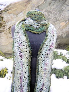 Free_flowing_scarf_long_small2