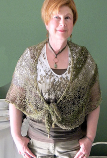 Jane_in_random_lace_wrap_small2