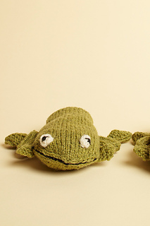 Frog_mittens_1_small2