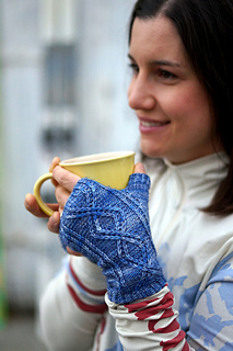 Anne_smiling_with_mug_small2